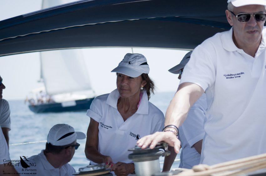 esfuerzo-equipo-corporate-yachting